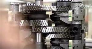 视频讲解奔驰变速箱生产过程实拍